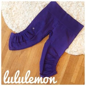 {Lululemon} in the flow crops in purple